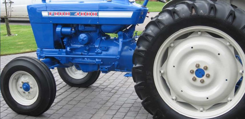 Ford-3000-tractor